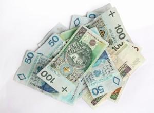 Pieniądze 100 zł banknoty - pożyczka.